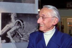 330,Cousteau